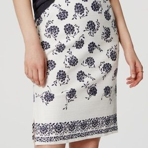 LOFT Floral White Blue Floral Pencil Skirt 00